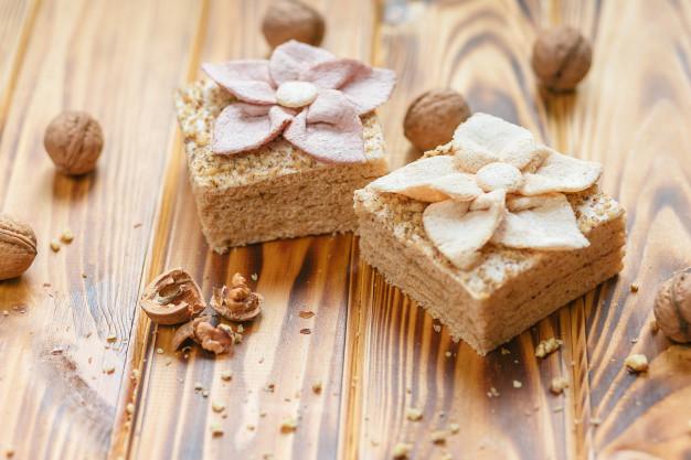 traditional-russian-dessert-pastila-hazelnuts-rustic-wooden-background_8353-7945
